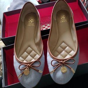 Women's shoes, flats